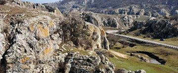 7 locuri din Romania pe care merita sa le vizitezi cu masina vara asta