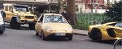 Amuzant sau ce? Uite cum face misto un britanic de super masinile aurii din Londra!