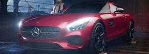 Anul acesta, Mos Craciun da sania pe un Mercedes-Benz ca sa livreze cadourile mai repede