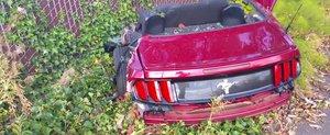 ASTA-i tot cea mai ramas dintr-un Ford Mustang care a lovit... Dumnezeu stie ce