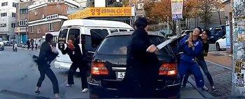 Bataie cu sabii intre mafiotii din Coreea