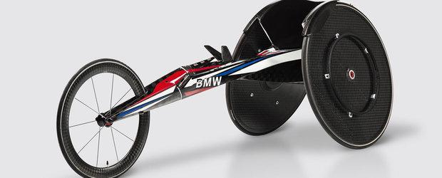 Caruciorul cu rotile de curse facut de BMW: este din carbon si cantareste cat un telefon