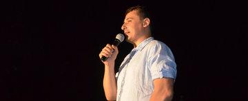 Caterinca cu masini: stand-up comedy, vineri seara, la Bucuresti!
