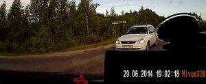 Ce pateste un rus care incearca sa evite gropile din asfalt
