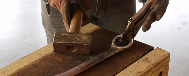 Ce poti face dintr-o cheie combinata de 22 veche si ruginita?