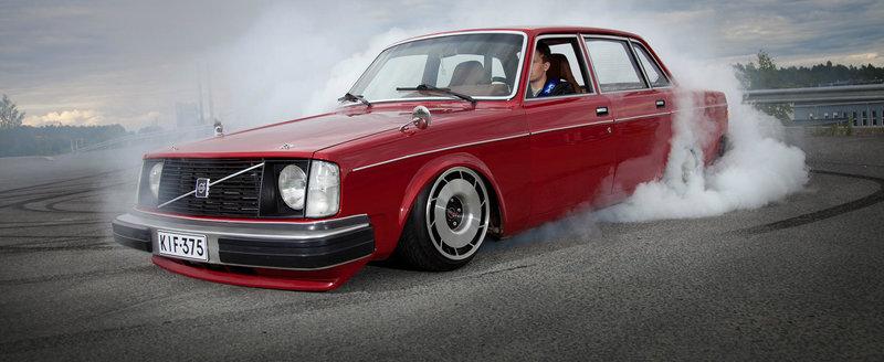 Cea mai frumoasa vechitura suedeza este un Volvo 244 cu motor de 700 cp