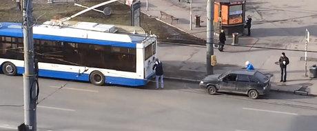 Cea mai proasta idee pentru tractarea unei masini vine din Rusia