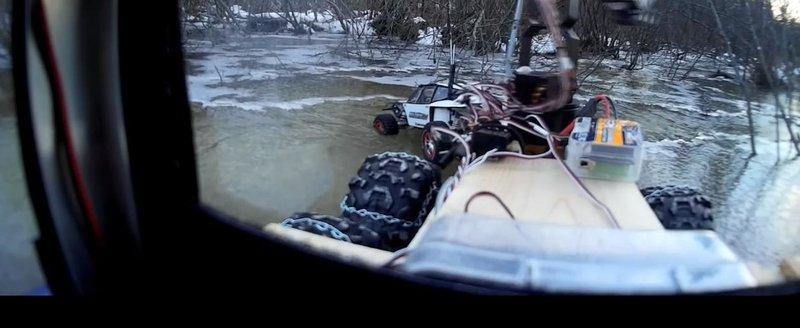 Cea mai spectaculoasa salvare din istorie: un Buggy ramane blocat pe gheata