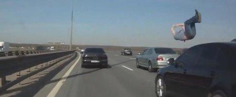 Compilatie cu accidente mortale: de ce trebuie sa fim atenti si sa respectam viteza