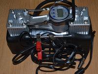 Compresor auto moto Profesional 12V cu dublu cilindru pentru masini 4 x 4