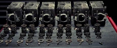 Cum se dezasambleaza un motor de Porsche Carrera 3.2 ?