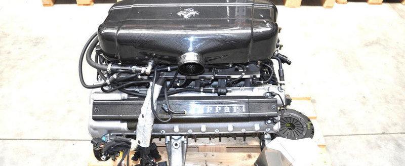 Cumparaturi de weekend: Ce-ai zice de un motor de... Enzo Ferrari?