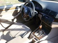 Dezmembrez Bmw 320d 136cp volan stanga interior crem jante 17