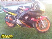 Dezmembrez Honda CBR F3 Acte Romania
