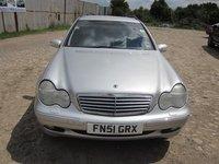 Dezmembrez Mercedes C220 S203 2.2cdi 2001 ;Combi