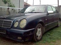 Dezmembrez Mercedes E220 CDI