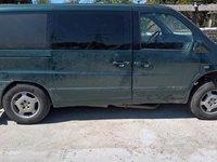 Dezmembrez Mercedes Vito V200 2.2 CDI din 2000