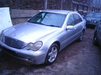 Dezmembrez Mercedes w203, model C200i, C220i, C200K, C240i,C320i,  C200cdi, C220cdi, C270cdi.