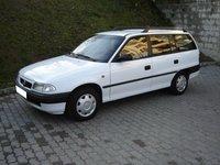 Dezmembrez Opel Astra F an fabr.1997 1.6i