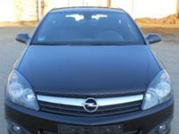 Dezmembrez Opel Astra GTC