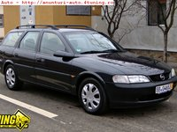 Dezmembrez Opel Vectra B 1 6 16v 101cp 98