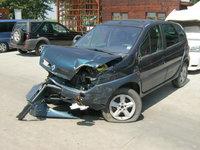 Dezmembrez Renault Scenic din 2002, 2.0B