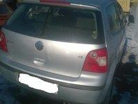 Dezmembrez VW Polo 1.4 benz. 2001