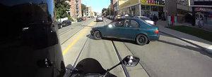 E clar ca motociclistii duc o viata grea in trafic si nu pot sa prevada toate pericolele