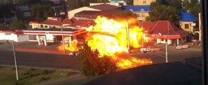 Explozia unei benzinarii din Rusia te va lasa cu gura cascata