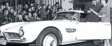 Extravaganta pe eBay: masinile celebritatilor ajunse pe mainile fanilor