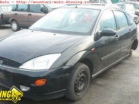 Ford Focus Ghia hatchback