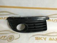 Grila proiector dreapta Vw Jetta dupa 2006 cod 1K0853666H