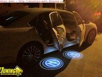 Holograma 3D Proiectoare pentru portiere cu logo ul masinii Lumini de intampinare cu logo ul masinii