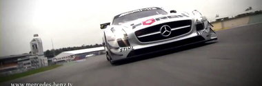 Hot Video: Susie Stoddart face cunostinta cu noul Mercedes SLS AMG GT3!