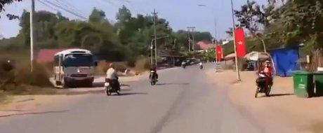 Incredibil, dar astfel de motociclisti exista!