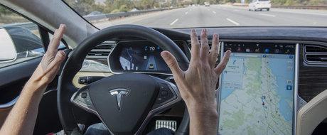 Inevitabilul s-a produs: un sofer moare decapitat intr-o masina Tesla care se conducea singura