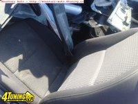 Interior negru Audi A6 break din 2006
