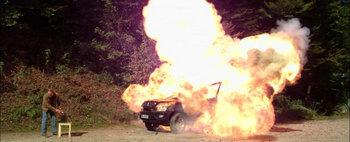 Isi da foc la masina de suparare