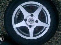 Jante aliaj Hyundai 4 x 114 , 3 R14  IMPECABILE