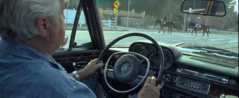 Jay Leno ne arata Mercedesul sau 300 SEL 6.3 din 1972
