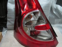 Lampa stop tripla spate stanga Dacia Sandero cod 8200734825