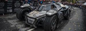 Masina asta vine la Bucuresti! Un Batmobil din carbon cu motor V10 a luat startul in Gumball si vine in Romania!