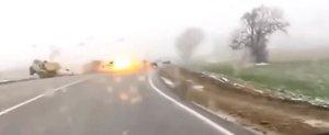 Masina unor hoti care au jefuit o biserica este trasnita de un fulger