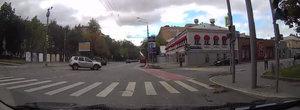 Momentul in care... o Dacie rastoarna un Lexus pe strazile din Rusia
