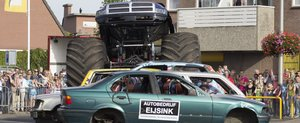 Momentul in care un Monster Truck ia 3 vieti in Olanda