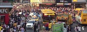 Motivul incredibil pentru care acesti oameni au dat peste cap traficul dintr-un important oras asiatic