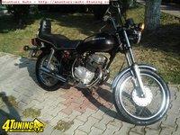 Motocicleta Honda CM 185 T