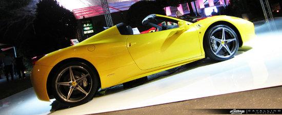 Noul Ferrari 458 Spider - Primele fotografii reale!