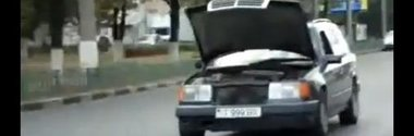 Noul trend de mers cu masina in Rusia - Lambo-capota