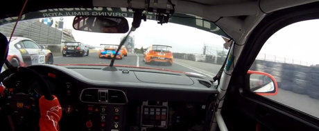 Nu degeaba a fost aleasa in echipa Top Gear. Uite cum se descurca la volan Sabine Schmitz!